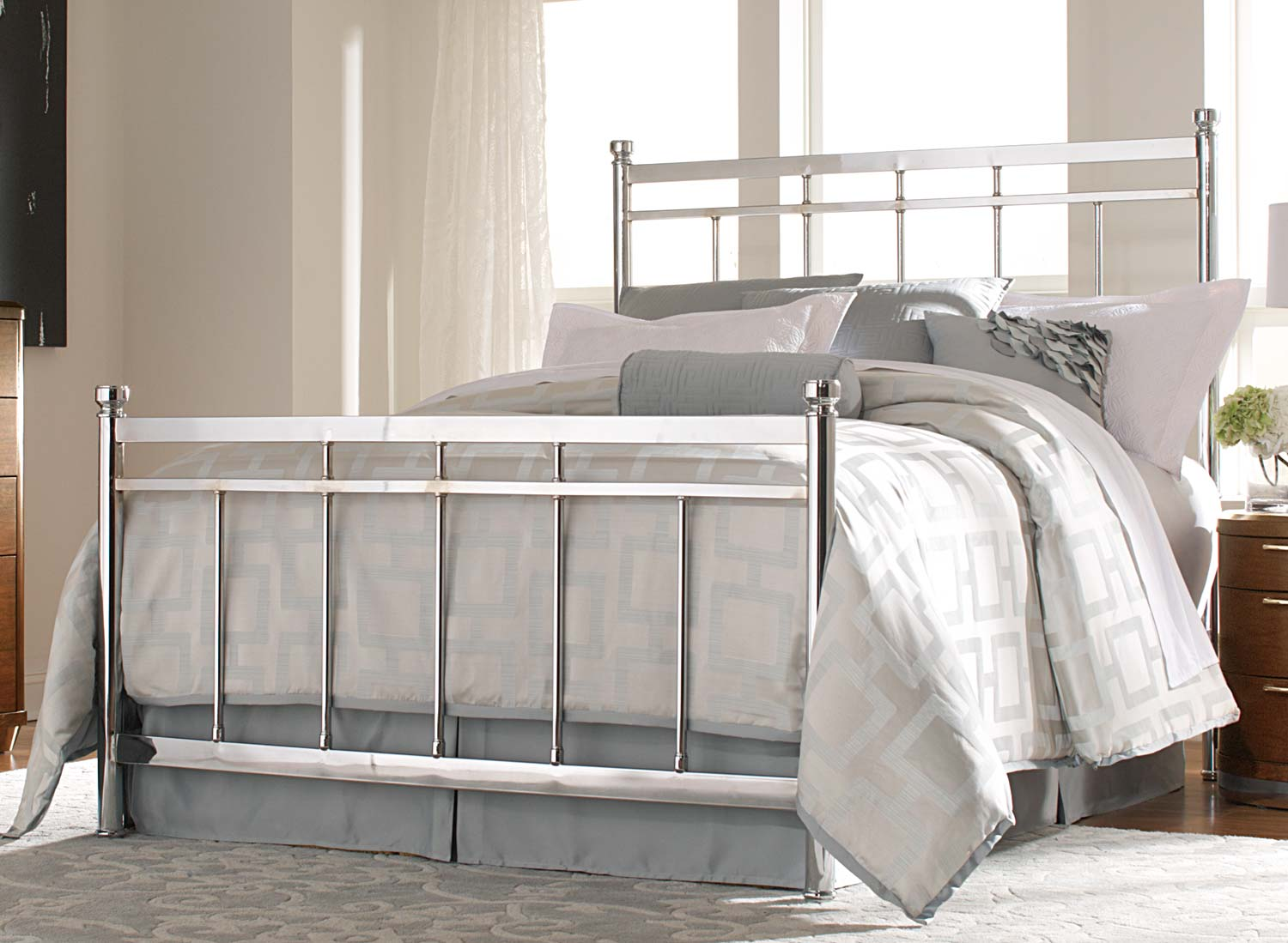 virtuemart_product_he-2863-chrome-metal-bed