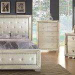 loraine bedroom