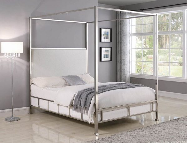 301121 CANOPY BED