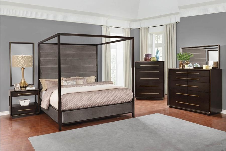 C 215710 canopy bed
