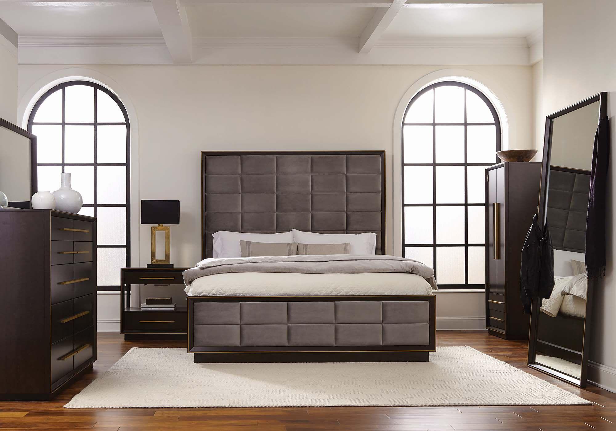 C 215711 queen bed