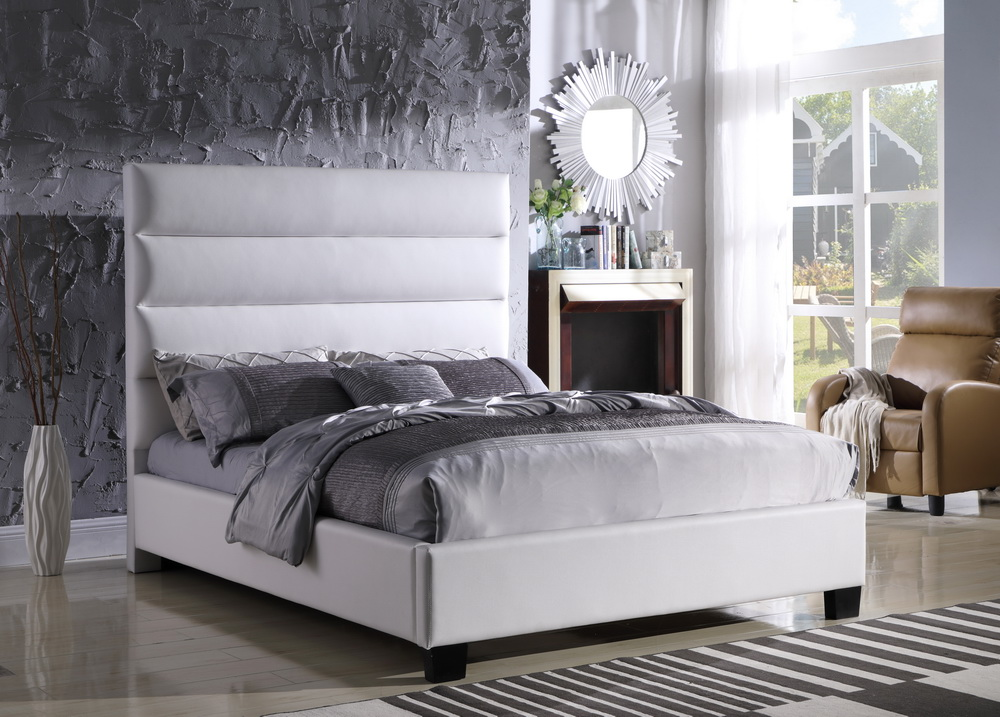 102 WHITE BED
