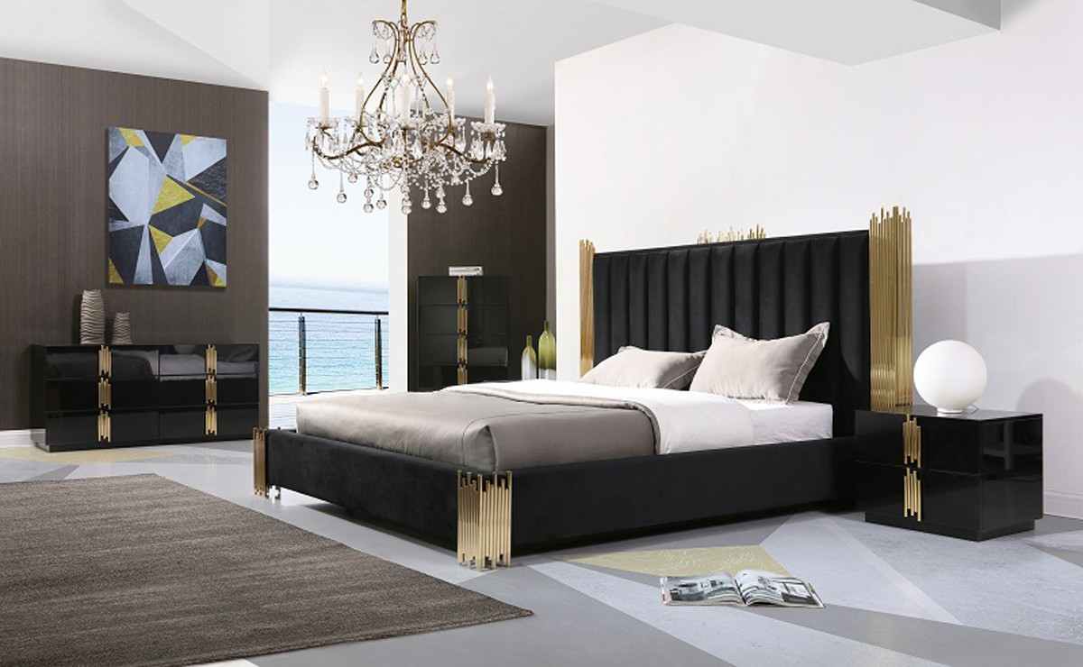 Token black gold bed set